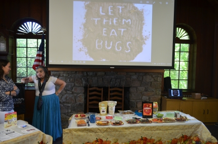 Lindsey and Terry Lynn discuss their favorite bug recipes.